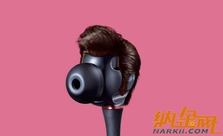 韩国一家广告公司为sony耳机设计了一系列趣味广告招贴,每