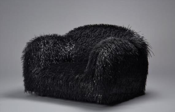 《植毛手术系列》里的沙发