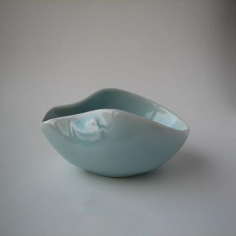 祥云纹粉青釉色陶瓷茶荷创意餐具设计