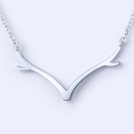 适合女生生日礼物的鹿娜项链
