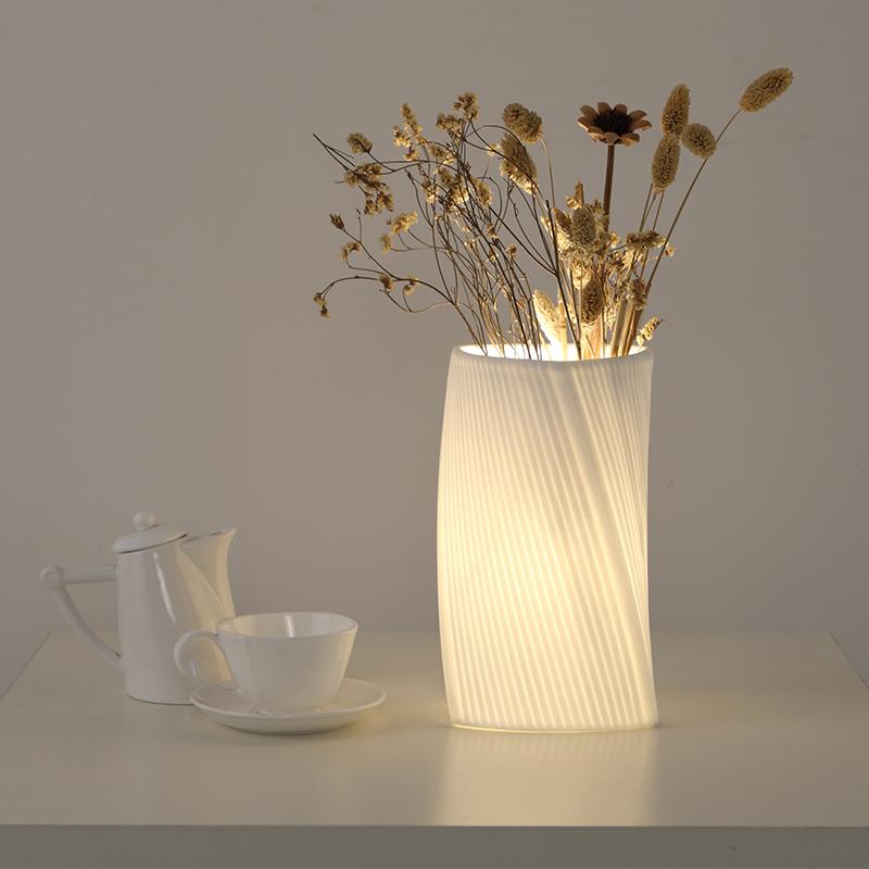 创意花瓶台灯