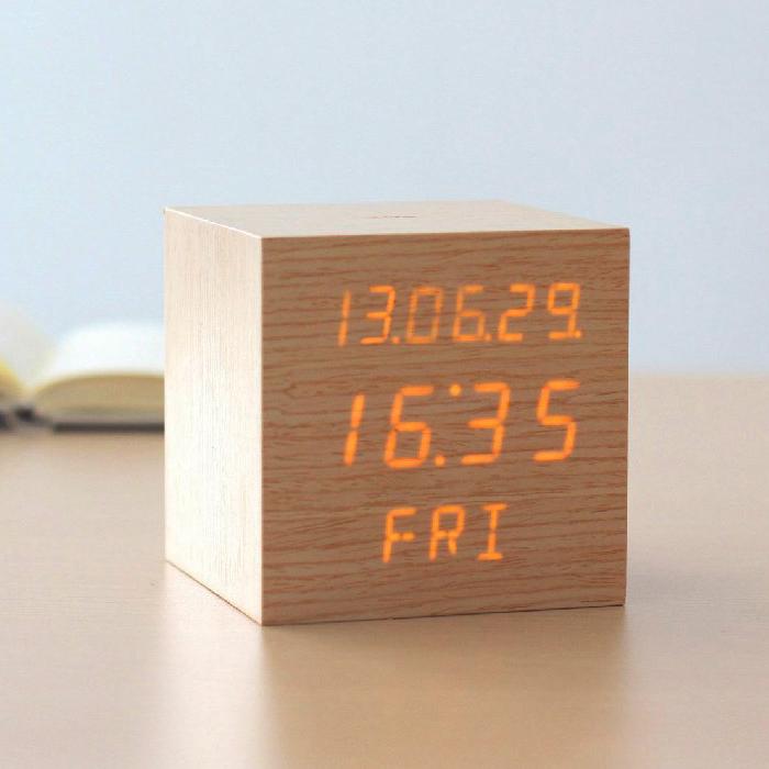创意正方形进口LED木头钟
