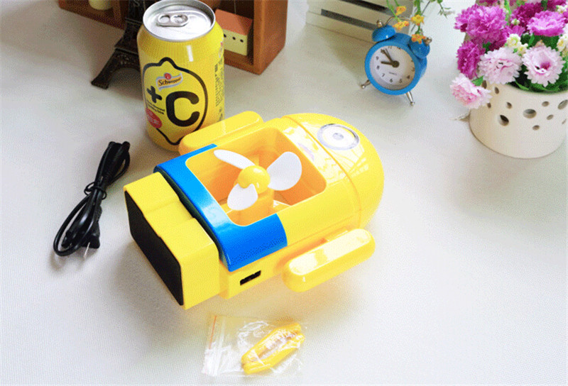 充电小黄人台灯3