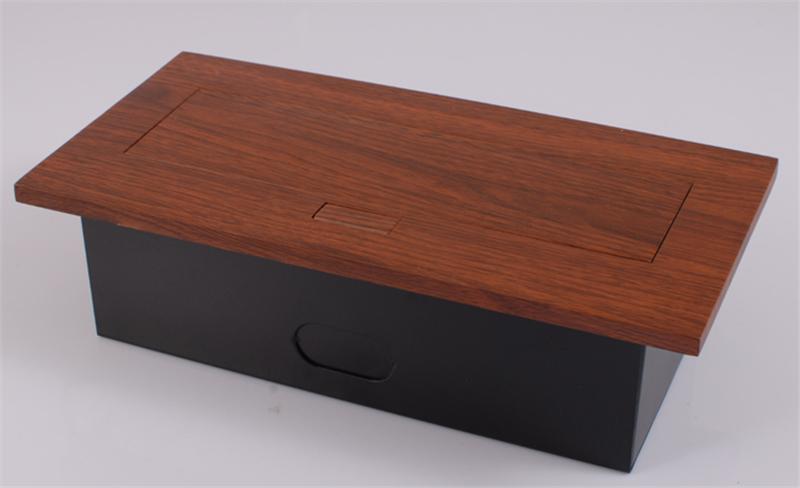 高档桌面多功能插线板2