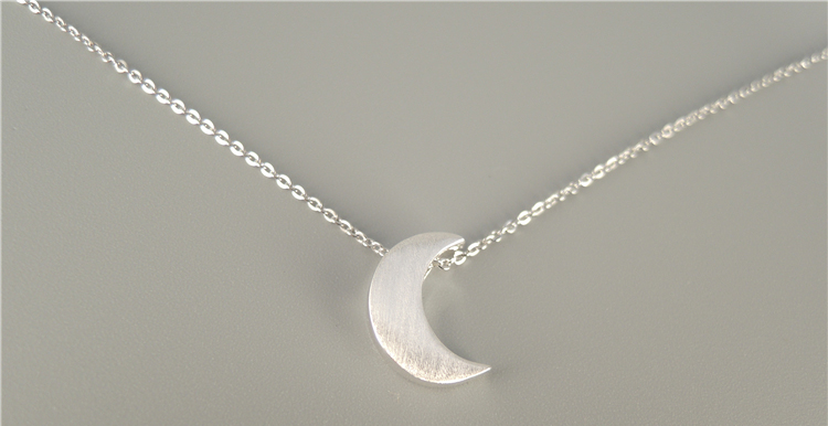 拉丝月亮项链 2