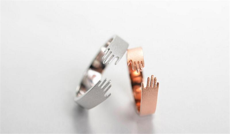 爱的拥抱情侣戒指3