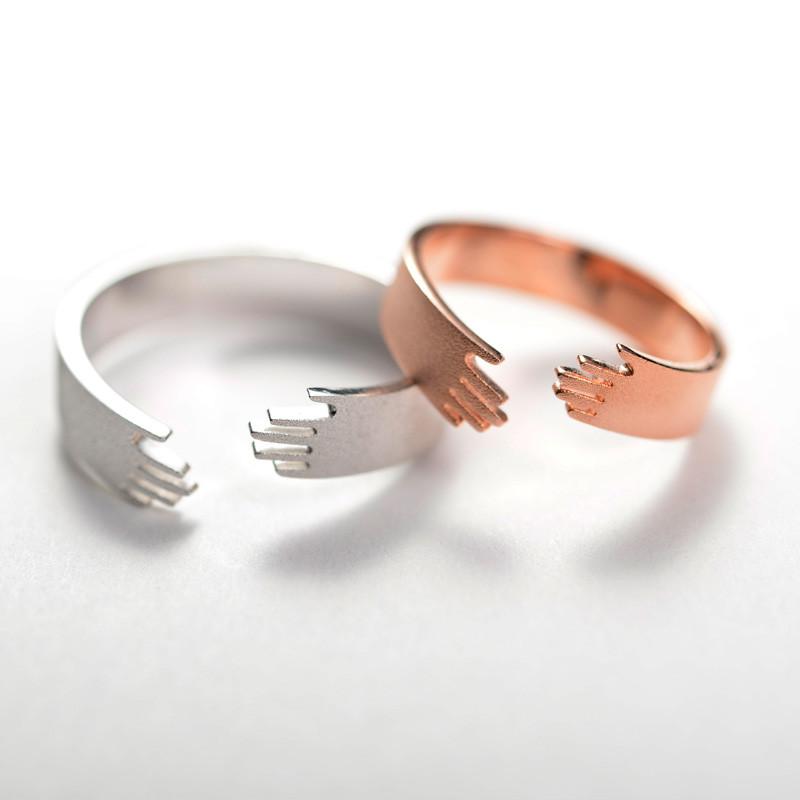 爱的拥抱情侣戒指1