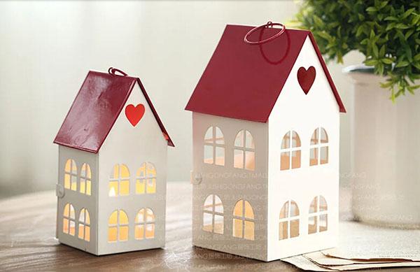 童话爱心红屋顶烛台2