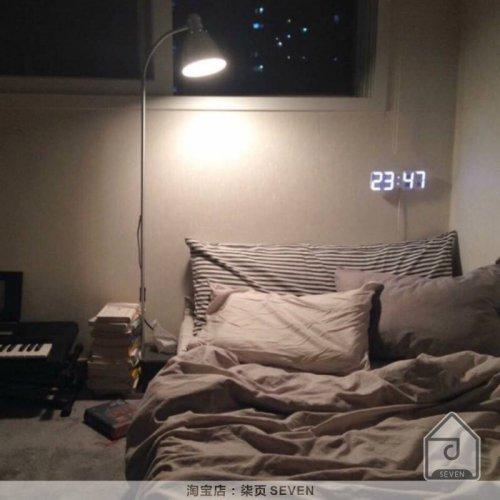 ins韩风室内家居装饰电子时钟摆件北欧简约现代